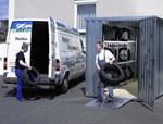 Lagercontainer mit Reifenregalen