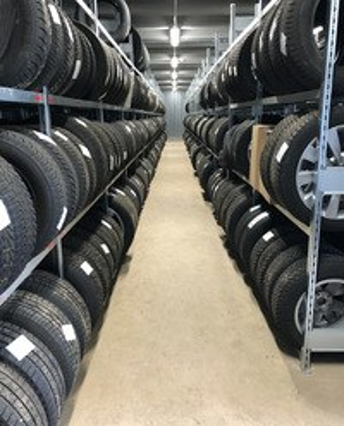 Reifenlagerhallen inkl. Reifenregale geliefert und montiert für Autohaus Wigger