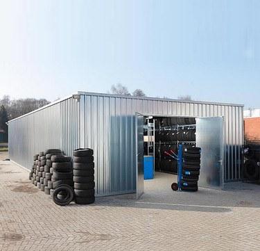 Reifenlagerhalle