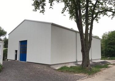 Satteldach Lagerhalle isoliert bauen